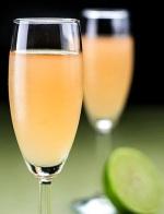 preparación cóctel champaña sour