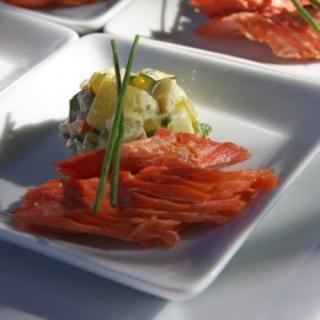 Preparar Salmon Ahumado y Ensalada de Papas